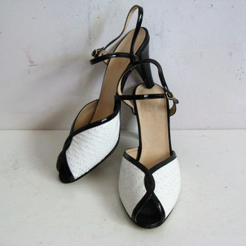 Vintage 1980s High Heel Shoes Two Tone Black White Leather Open Toe Sandals 8.5M