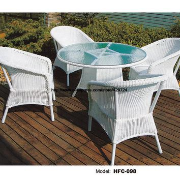 Luxury Rattan Furniture Leisure Modern Design Holiday Sea Beach Swing Pool Gardern Furniture Rattan Rattan 1 Table 4 Chairs Set