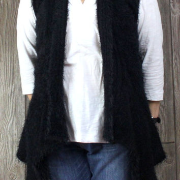 Adorable SoHo Chick M size Sweater Vest Black Fuzzy Rose Crochet Accent Open Front Boho