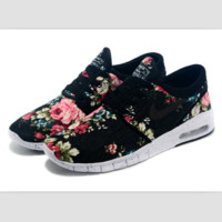 NIKE trend of sports shoes light running shoes Black printing