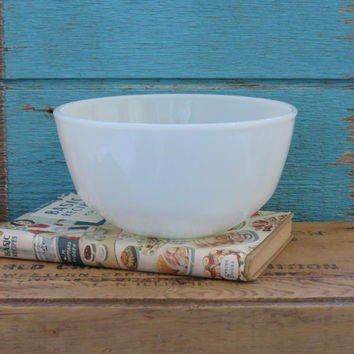 Fire King Mixing Bowl Anchor Hocking Milk Glass Vintage 1960s
