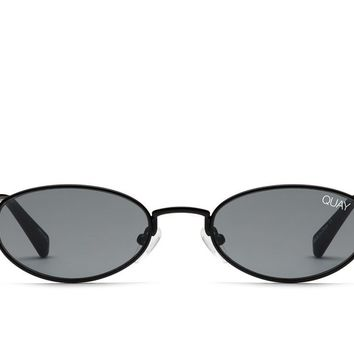 Quay Showdown Black Sunglasses / Smoke Lenses