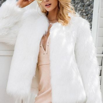 8DESS Casual Furry Faux Fur Coats Women Fake Fur Short Pink Coat  Party Colored Fur Overcoat
