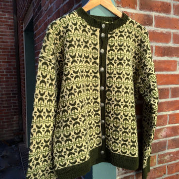 vintage hand knit nordic cardigan // men's hand knit sweater // large