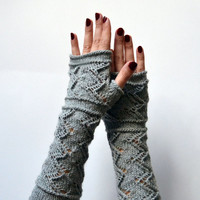 Grey Lace Knit Fingerless Gloves - Lace Fingerless Gloves - Fall Gloves - Knit Lace  Gloves - Feminine Fingerless - Trending Items
