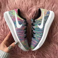 NWT Nike lunarepic Flyknit multicolored Sneakers