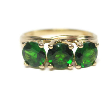 Green Tourmaline Ring Vintage 10K Yellow Gold 1.5 Carat 3 Stone Size 6