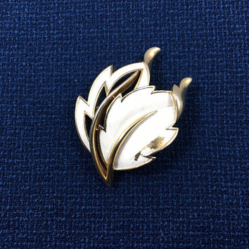 Signed Trifari White Enamel Leaf Brooch - White & Gold Tone - Leaf Brooch - Vintage Leaf Brooch - Open Work Leaf Brooch