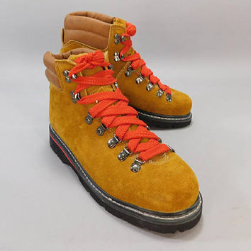 Vintage 1980s Hiking Boots / Northwest Territory Hiking Boots  / Leather Boots / Old School Hikers / Red Lace Hiking Boots / NOS Dead Stock