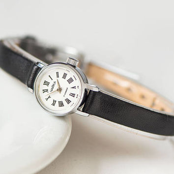 Classical Women Watch Small, Ladies Wristwatch Minimalist, Watch Women Tiny Gift, Mint Condition Watch Seagull, New Genuine Leather Strap