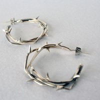 Crown of Thorns Hoop Earrings in White Bronze by theBEAline