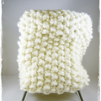 Chunky Knit Cowl Scarf Neck Warmer hand knit cream white infinity cowl europeanstreetteam