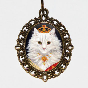 Queen Of Hearts Cat Necklace, Royalty, Cat Jewelry, Oval Pendant