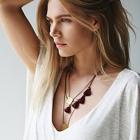 Geography 541 Womens White Sands Necklace