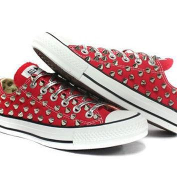 LMFUG7 Studded Converse low silver stud with custom design by customduo