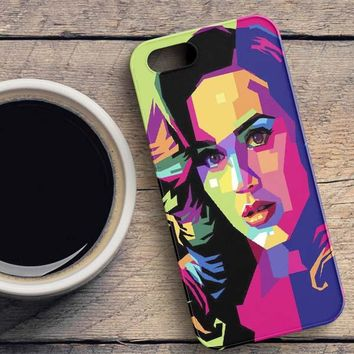Katy Perry On WPAP iPhone SE Case