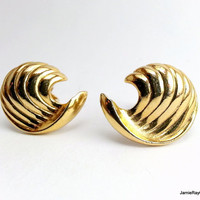 Vintage Spiral Clip On Earrings, Bright Goldtone Cornucopia Clip Earrings, Gold Tone Clipon Earrings, Gold Spiral Swirl Seashell Earrings