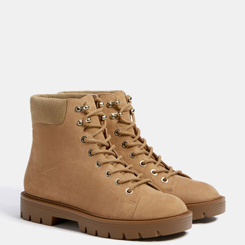Lace-up mountain ankle boots - Boots & Ankle boots - Bershka United States