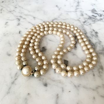 1950s Trifari Glass Pearl Necklace