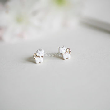 cute kitty cat earrings, white cat post earrings, kitten earrings