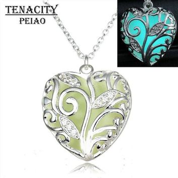 NOVO5 Glowing Necklace hollow out Glowing fashion Jewelry Glow Heart Pendant Women's Glow in the Dark