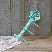 Key Holder, Shabby Chic, Tiffany Blue, White, Aqua, Skeleton Key, Hand Painted, Cast Iron, Metal, Key Rack. Beach Decor