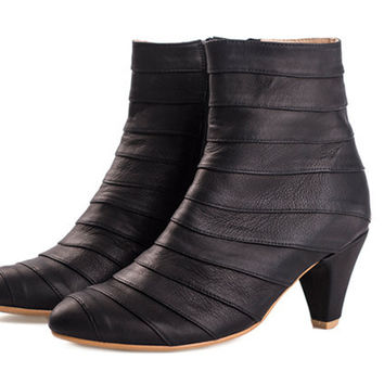 WINTER SALE Lucy black boots