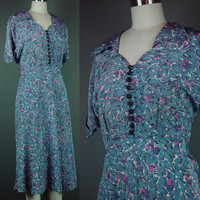 40s Novelty Print Dress Vintage 1940s Hidden Items Blue Pink Lawn Party Carriage Tent B 42 W 34 L XL