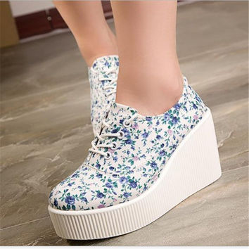 New 2017new hot Women shoes Canvas Shoes Women slip ons Shoes Woman Platform high heels Floral Spring Women Summer shoes