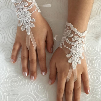 Flower Girl lace gloves ivory bridal gloves french lace for princess wedding gloves, lace glove, Bridesmaid gloves