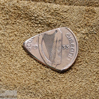Coin Guitar Pick -- 1933 Copper Pingin -- Éire Plectrum