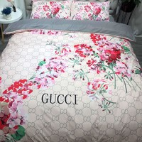 GUCCI Flower Printed Blanket Quilt coverlet Pillow shams 3 PC Bedding SET