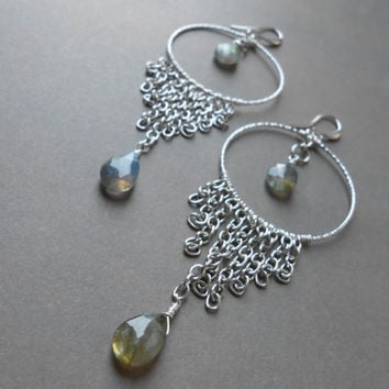 Labradorite large hoop earrings - Long chandelier earrings - Gemstone earrings - Silver fringes and labradorite teardrop