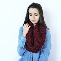 FREE SHIPPING Knit wool infinity scarf Claret soft scarf Circle warm scarf Eternity dark red scarf Burgundy loop scarf Knit neck warmer Red