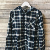 Plaid Hooded Button Down (Navy)