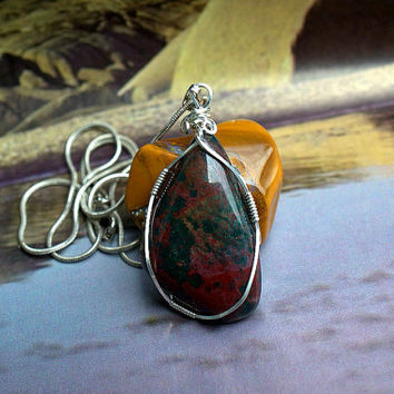 Heliotrop pendant Green Bloodstone silver wire wrapped with silver plated necklace