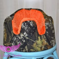 Mossy Oak Camo and Orange Bumbo Seat Cover