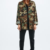 Urban Renewal Vintage Surplus USA Army Shirt in Camo - Urban Outfitters