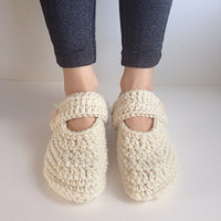 Women's Crochet Cream Mary Jane slippers, slippers with buttons, crochet flats, crochet house shoes