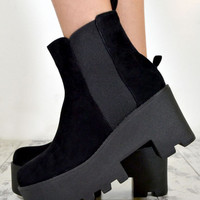 AVRIL Chunky Heel Biker Style Chelsea Ankle Boots In Black Suede – NaomiShu