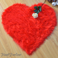 """Special 20 OFF Valentine Promo 5' or 60"""" Diameter Heart Shape Rug Faux Fur Area Rug Gift for your love one Home Decor"""
