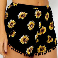 Balls and sunflower printed elastic waist, beach pants, shorts