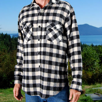 60s Vintage WOOLRICH Jacket Black + White Wool Check Shirt MED LARGE Overshirt Plaid Flannel Shirt Woodsman Lumberjack Workwear Made In Usa