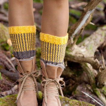 Two-Tone Totally Reversible Hand Knit Boot Cuffs Chunky Texture Waffle Boot Cover Knitted Spats Legwear Gaiters taupe mustard READY TO SHIP