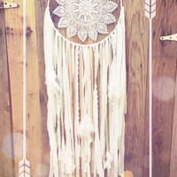 Sweet Dreams White Feather Shabby Chic Crochet Doily Boho Gypsy Lace Dreamcatcher // Nursery Decor