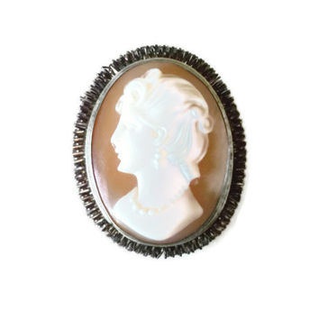 Vintage Left Facing Cameo Brooch, Pendant Jewelry Piece, Peach Carved Shell Jewellery