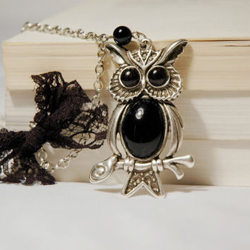 Silver Plated Owl Necklace with Black Naturel Stones