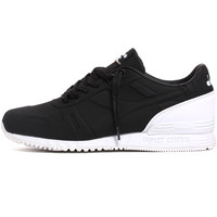 Titan N Sneakers Black / White