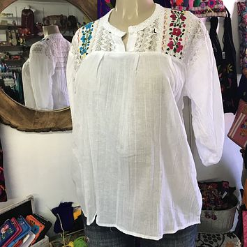 Española Blouse White with Floral Embroidery