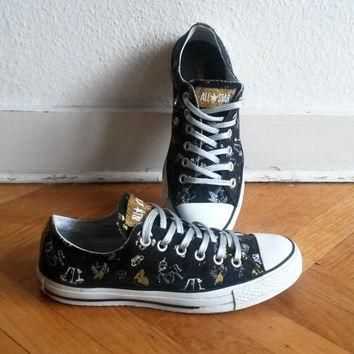 Vintage Converse low tops, black with unicorn print, metallic & glitter details. Size